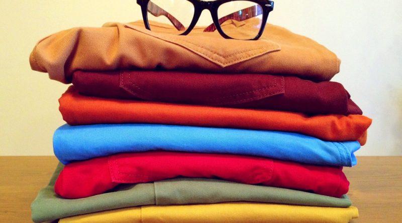 barevnými džíny