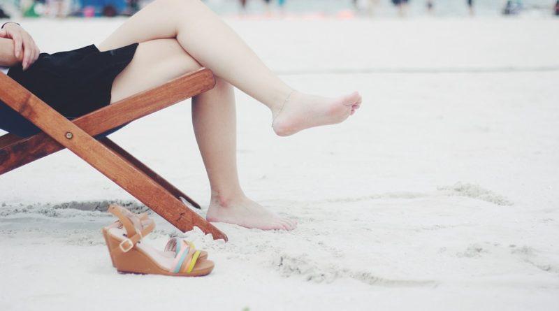 Letošní léto patří espadrilkám a sandálkům. Buďte jako britské princezny
