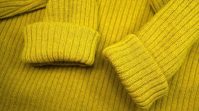 I letošní podzim se nese ve znamení svetrových šatů